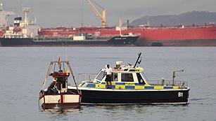 Ver vídeo  'Los pescadores españoles podrán pescar hasta diciembre cerca de Gibraltar tras alcanzar un acuerdo'
