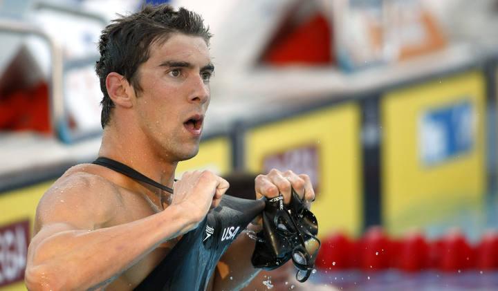 Phelps reivindica los bañadores de textil despues de conseguir el oro en los 100 mariposa