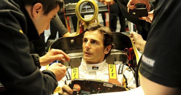 El piloto español de HRT, Pedro Martínez de la Rosa.