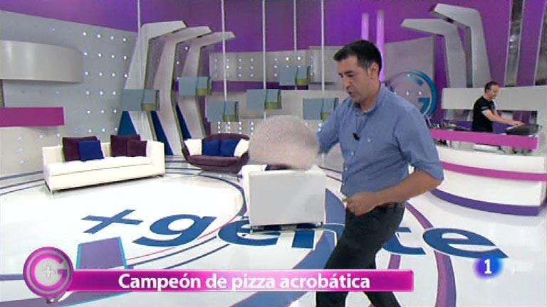 Más Gente - Pizza acrobática