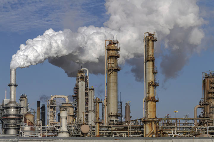 Planta de producción de petróleo.