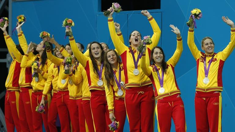 La plata del waterpolo en Londres 2012 hace felices a las atletas españolas