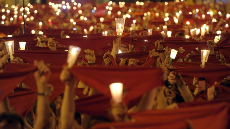 """El """"Pobre de mí"""" cierra San Fermín 2013 y abre la cuenta atrás hasta el próximo año"""