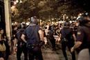 La polícía carga contra los manifestantes a las puertas del ministerio del Int