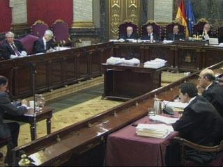 Ver vídeo  'La policía declara que Garzón les dijo en todo momento que lo que prevalecía era el derecho de defensa'