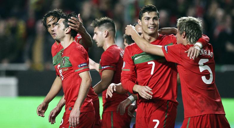 Portugal golea a Bosnia y se mete en la Eurocopa