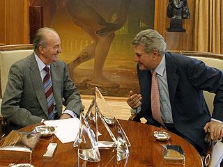 Ver vídeo  'Posada comunica la investidura de Rajoy al rey, que firma su nombramiento'