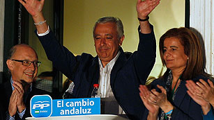 Ver vídeo  'El PP gana en Andalucía, pero no consigue mayoría absoluta'