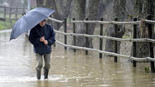 Ver vídeo  'Precipitaciones y viento fuerte en gran parte de la Península'