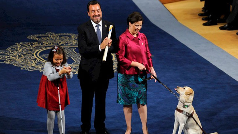 """El presidente de la ONCE, Miguel Carballeda, agradece un Premio de la Concordia """"muy compartido"""""""