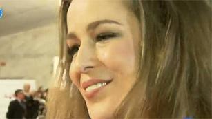 Ver vídeo  'Premios Goya 2012 - La emotiva reaparición de Silvia Abascal'