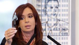 """Ver vídeo  'La presidente argentina defiende la expropiación de YPF y rechaza una """"estatización""""'"""