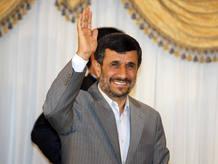 El presidente iraní, Mahmud Ahmadineyad, ha defendido en Estambul el acuerdo nuclear firmado con Brasil y Turquía.