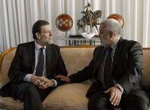 El presidente del Gobierno español, Mariano Rajoy, se reúne en Rabat con su homólogo marroquí, Abdelilah Benkirán.