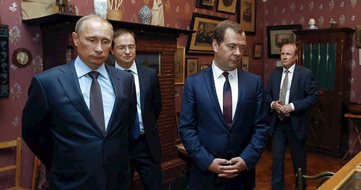 El presidente Ruso, Vladimir Putin, visita Crimea