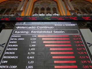 Ver vídeo  'La prima de riesgo de España se relaja tras rozar los 500 puntos básicos, nuevo récord'