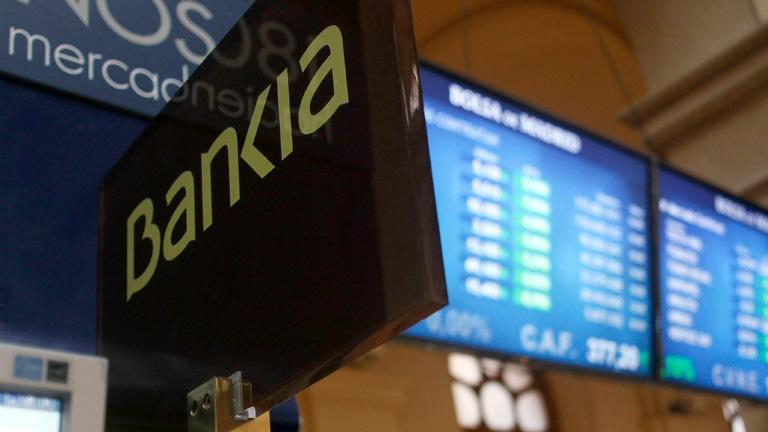 La prima de riesgo sigue por encima de 500 puntos y la volatilidad domina en la Bolsa española