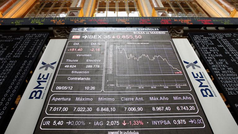 La prima de riesgo española supera los 450 puntos y la Bolsa vuelve a niveles de 2003