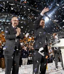 """PRIMER DÍA DE CAMPAÑA: CiU arranca la campaña en un acto en la Plaza Catalunya conjurando las encuestas postivas. Artur Mas insiste una y otra vez en sus intervención en que nadie debe confiarse y llama al """"voto útil""""."""