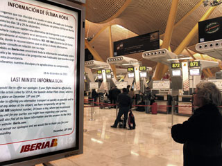 Ver vídeo  'Primer día de huelga de Iberia, con 91 vuelos cancelados'