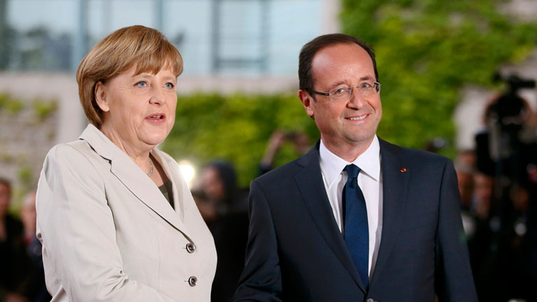 Primer encuentro entre Hollande y Merkel