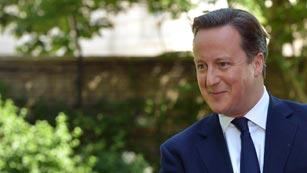 Ver vídeo  'El primer ministro británico ha felicitado a los duques de Cambridge por el nacimiento de su primer hijo'