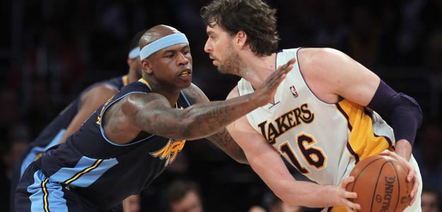 Primer partido de Los Angeles Lakers contra Denver Nuggets
