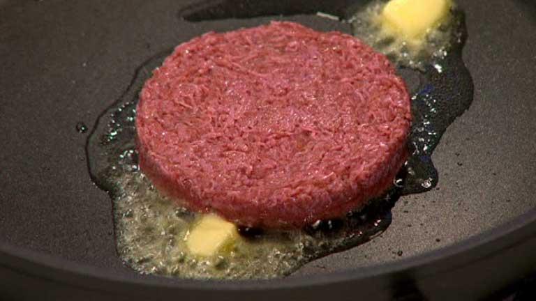Primera hamburguesa hecha con carne fabricada en laboratorio