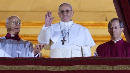 Las primeras palabras del nuevo papa argentino Jorge Mario Bergoglio, Francisco I