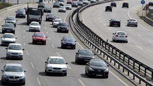 Ver vídeo  'Primeras retenciones en la operación salida de tráfico'