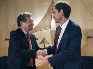 Ver v?deo  'El principal sindicato de los controladores y AENA firman un principio de acuerdo'