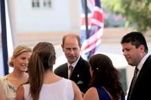 El príncipe Eduardo de Inglaterra a su llegada a Gibraltar