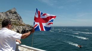 Ver vídeo  'El príncipe Eduardo de Inglaterra visita Gibraltar en pleno conflicto pesquero con España'