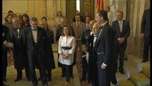 El príncipe posa con Carlos Dívar junto a Soraya Sáenz de Santamaría y Alberto Ruíz Gallardón