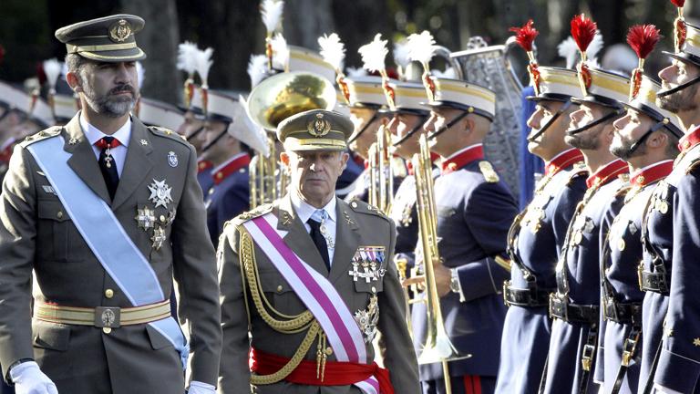 El príncipe preside el desfile del Día de la Fiesta Nacional por primera vez