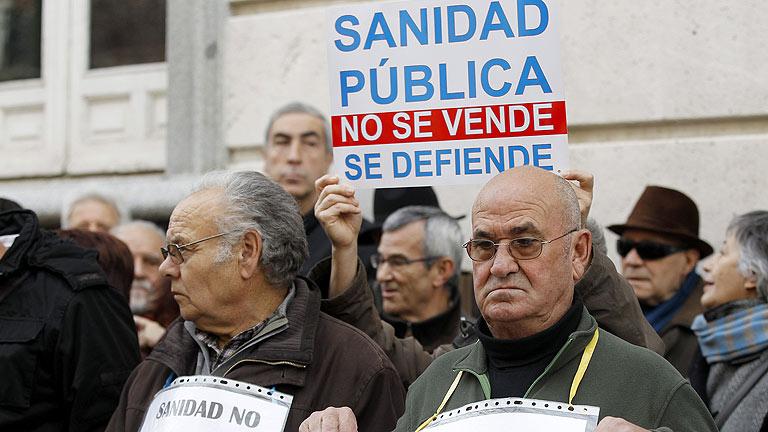 La privatización de la gestión de los hospitales de Madrid sigue en suspenso