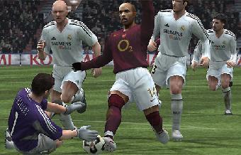 Ver vídeo  'Pro Evolution Soccer, fútbol de sillón'