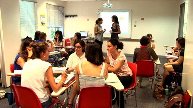 Comando  Actualidad - En formación - Profesor de español