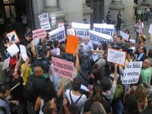 La protesta empieza en Banco de España con la lectura del manifiesto