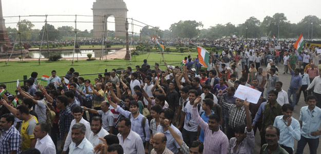 Protesta de partidarios de Hazare en Nueva Delhi, capital de India