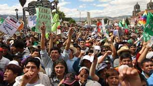 Ver vídeo  'Protestas contra la explotación minera en Perú obligan a decretar el Estado de Emergencia'