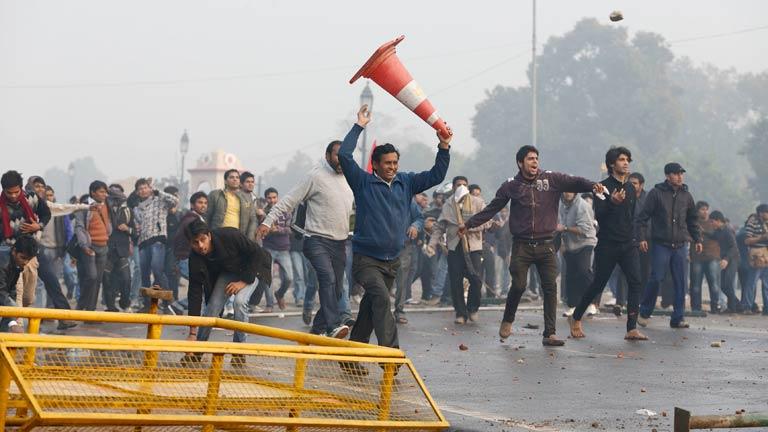 Continúan las manifestaciones en la India contra las violaciones