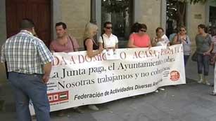 Ver vídeo  'Los proveedores de los ayuntamientos ya comienzan a cobrar sus facturas pendientes'