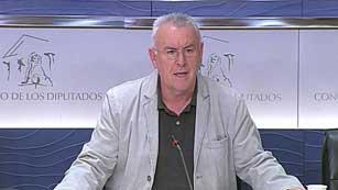 Ver vídeo  'El PSOE no apoyará nuevas ayudas a Bankia e IU se plantea cuánto dinero más se dará a los bancos'