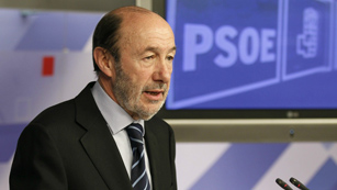 Ver vídeo  'PSOE e IU rechazan la propuesta de De Guindos'
