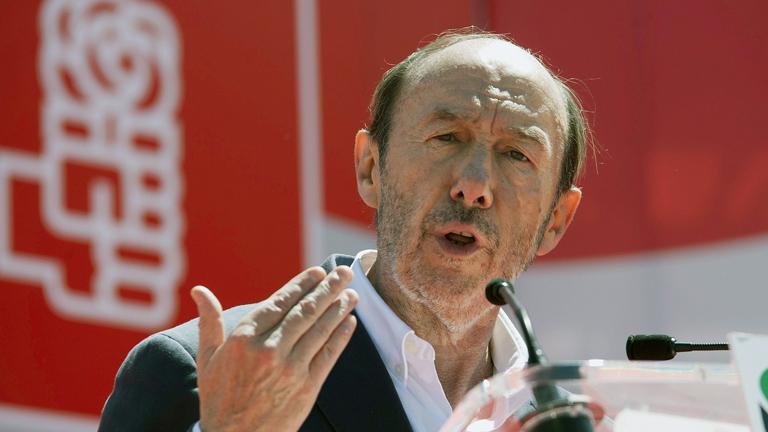 El PSOE pide a Rajoy que se deje ayudar y Floriano dice que se metan en sus asuntos