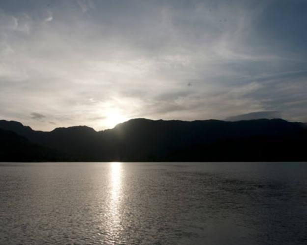 Puebla de Sanabria - Atardecer en el lago