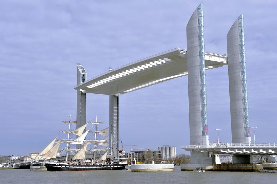 Un puente levadizo para el siglo XXI
