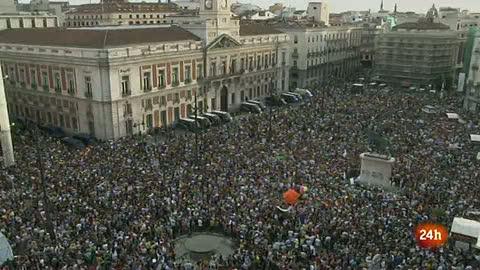 Ver vídeo  'La Puerta del Sol, abarrotada en el primer aniversario del 15M'