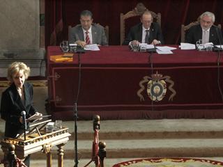 Ver vídeo  'La RAE presenta el tercer y último volumen de la Nueva Gramática de la Lengua española'